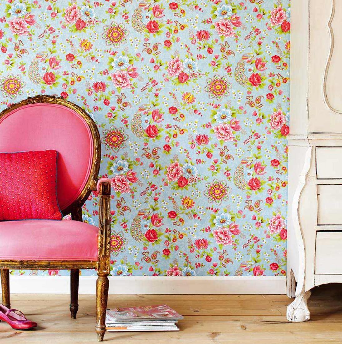 Che ne dici di qualche fiore sulle pareti il blog di for Carta da parati con fiori