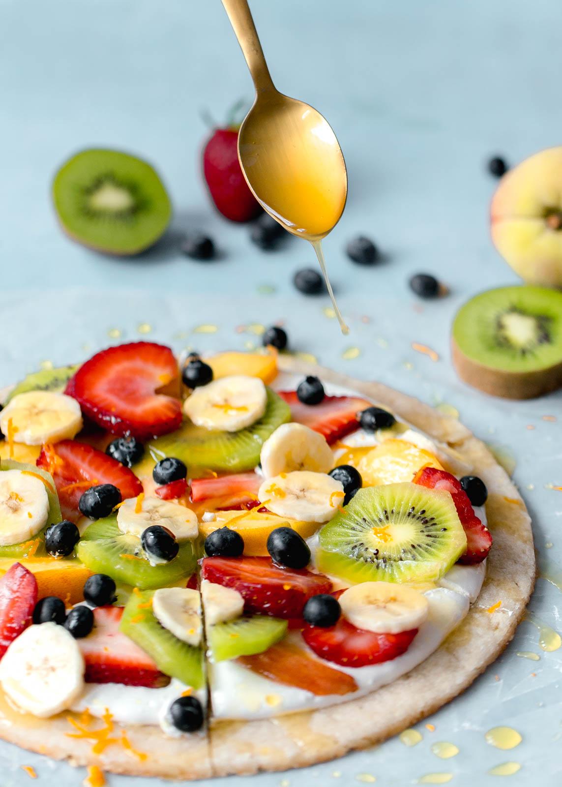 Pizzas com frutas e mel