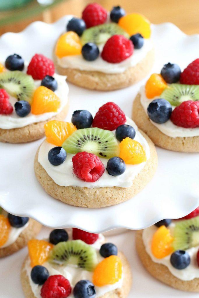 Mini pizzas com frutas