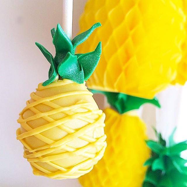 cake pop em forma de ananás
