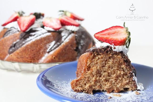 Bundt Cake de Café e Morango