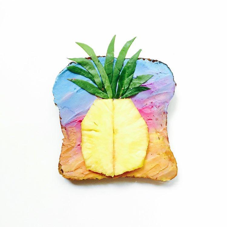 Tostas com ananás