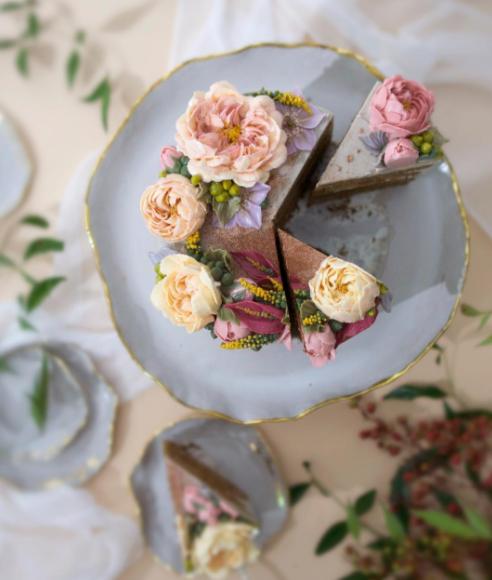 Decoração de bolo com flores