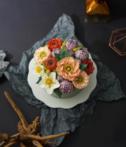 Decora os bolos com flores comestíveis
