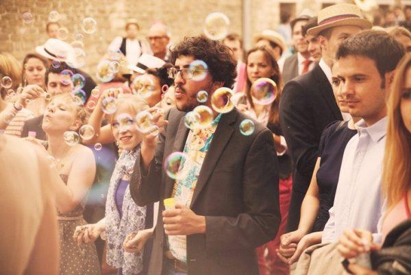 bolas de sabão num casamento