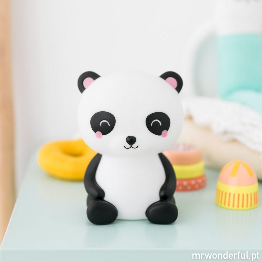 Panda com luz de presença