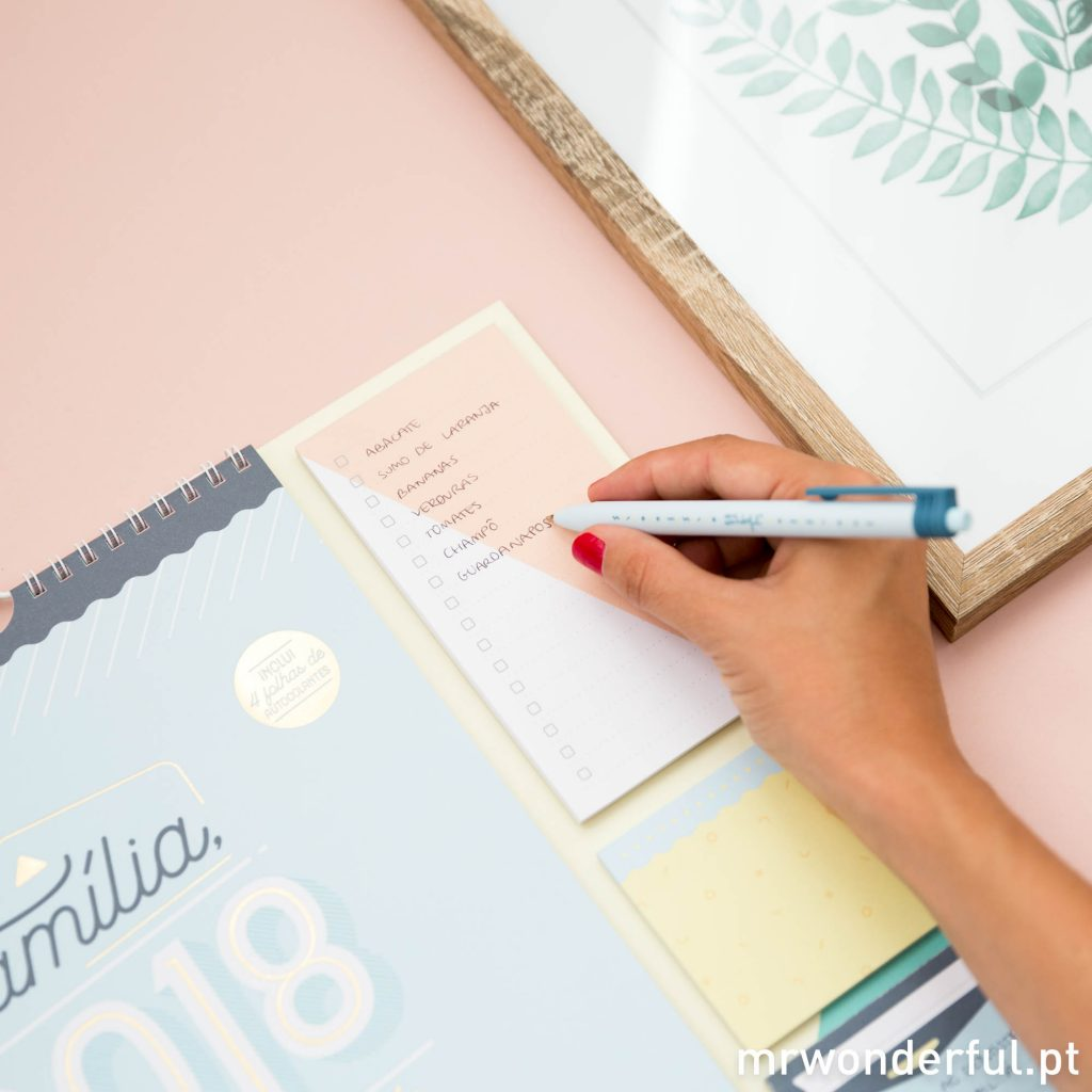 Calendário 2018m com lista de compras